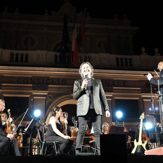 Stefano Fonzi con Red Canzian dei Pooh in concerto