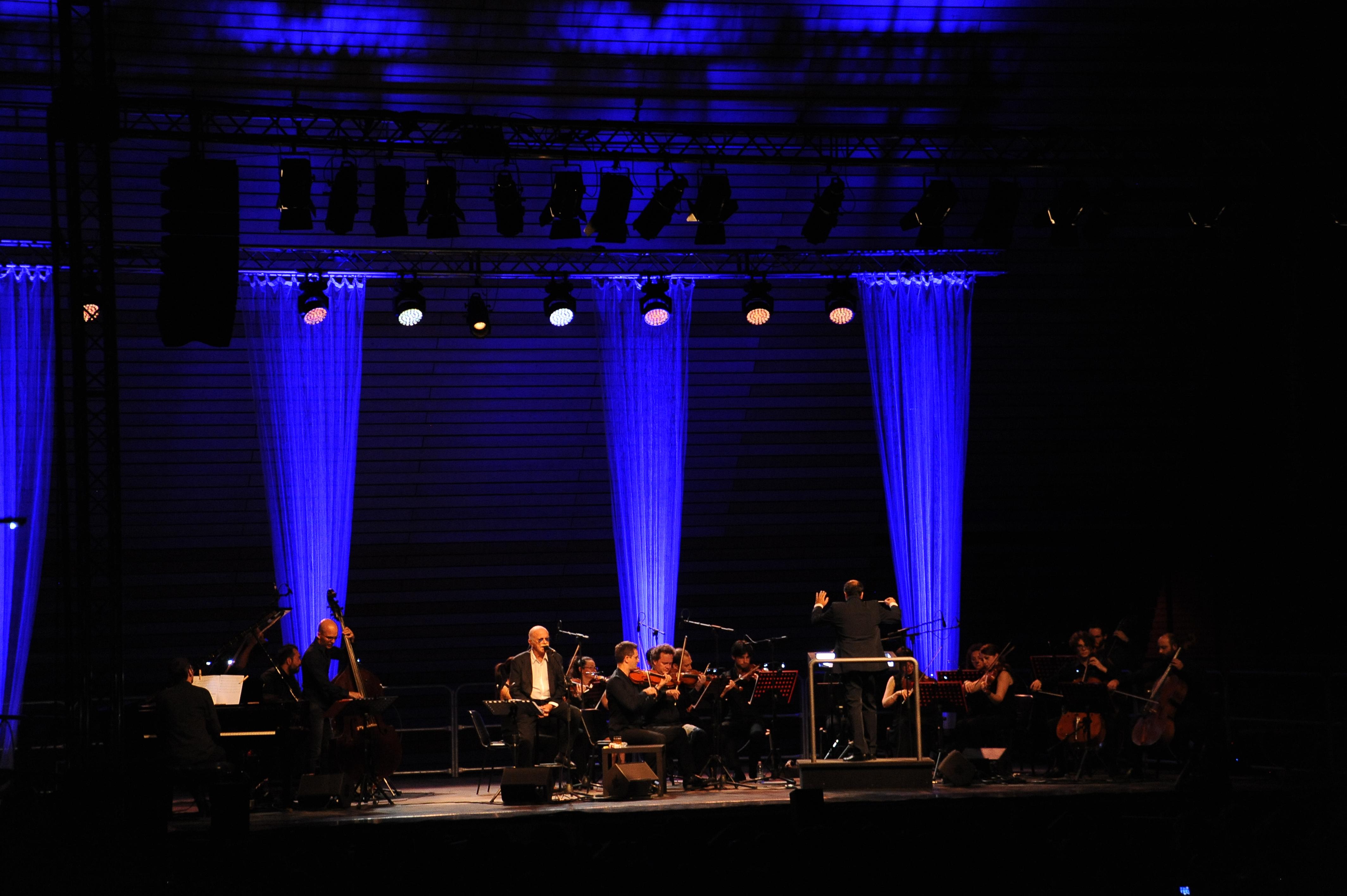 Stefano Fonzi con Gino Paoli in concerto